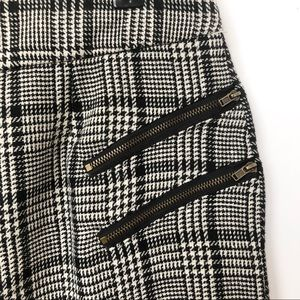 Mystree Skirts - NWT Mystree Black & White Plaid Skirt • Size Large